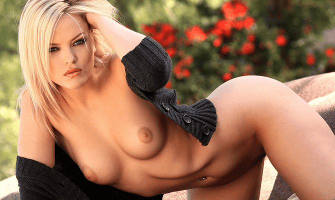 Best naked college girl shots