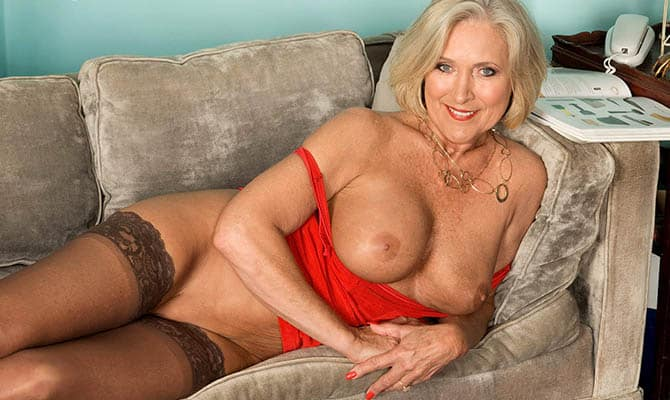Beautiful Mature Lady Milf Katia She Is Getting That Ass
